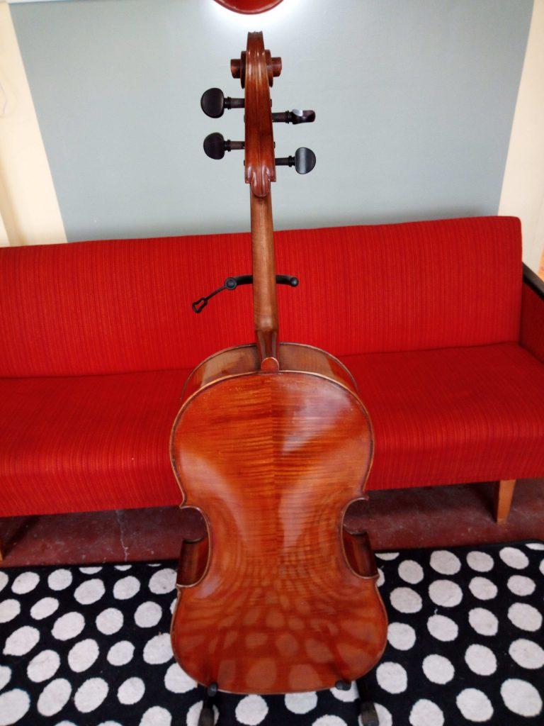 Cello 4/4 aus Ungarn Rückansicht